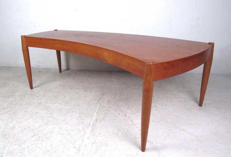 Johannes Andersen Curved Edge Cocktail Table for Trensum In Good Condition For Sale In Brooklyn, NY