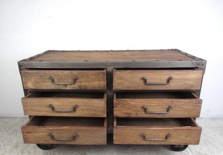 industrial style six drawer dresser for sale at 1stdibs. Black Bedroom Furniture Sets. Home Design Ideas