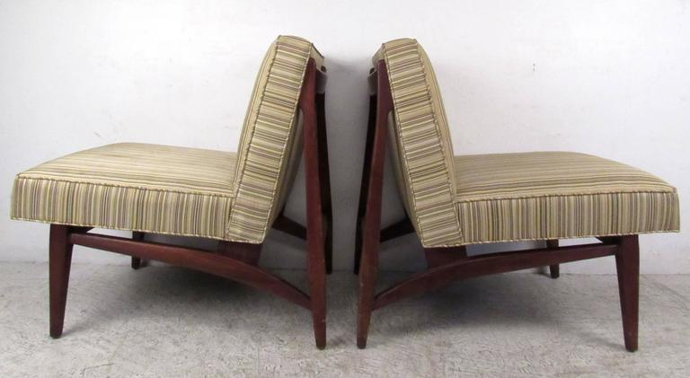 Pair of Jens Risom Style Slipper Chairs For Sale 1