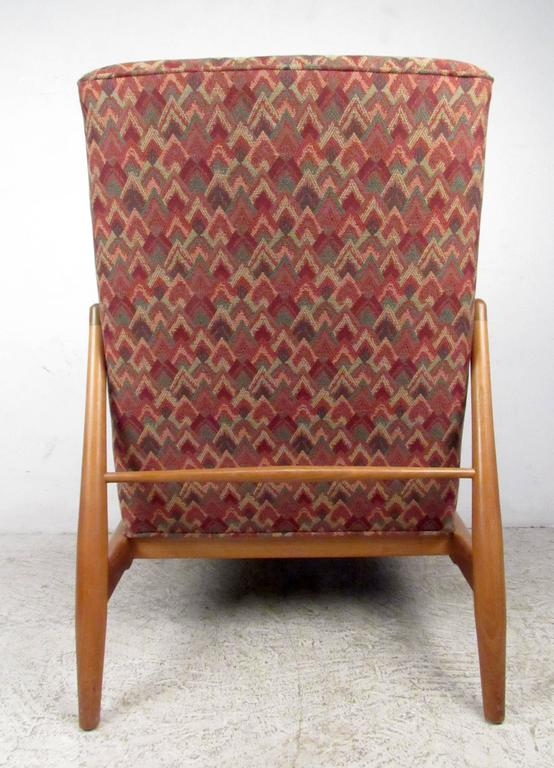 Mid-Century Modern Lounge Chair In Good Condition For Sale In Brooklyn, NY