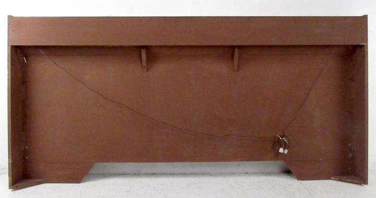 Mid-Century King-Size Headboard In Good Condition For Sale In Brooklyn, NY