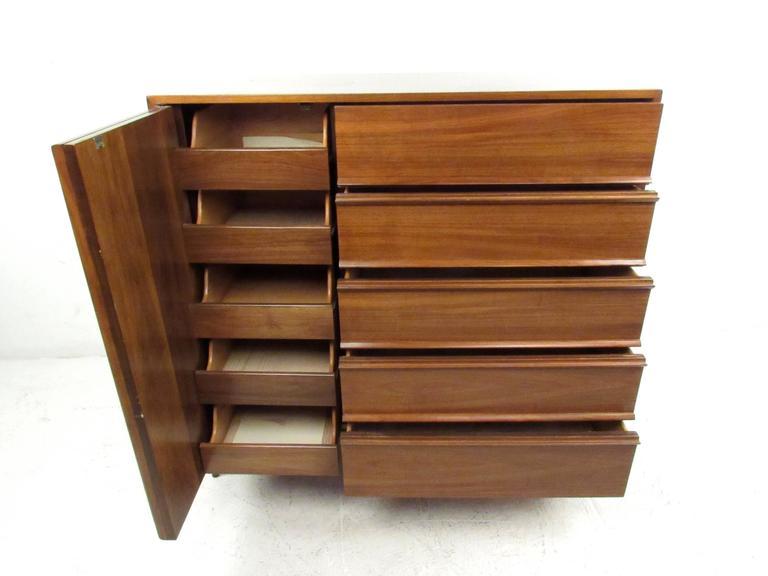 American Mid-Century Modern Bedroom Dresser For Sale