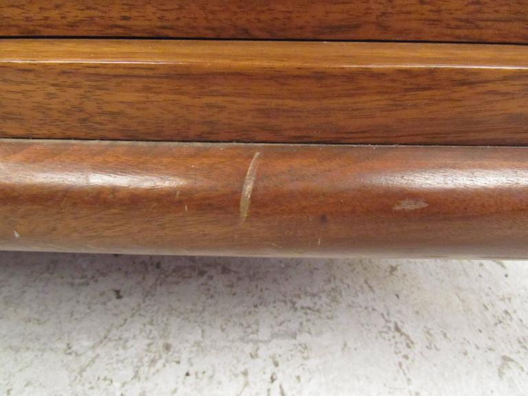 Walnut Mid-Century Modern Bedroom Dresser For Sale