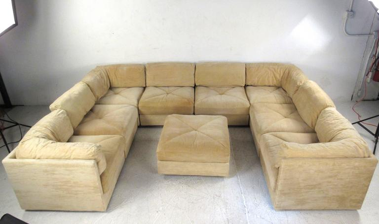 Mid-Century Modern Sectional Sofa by Selig In Good Condition For Sale In Brooklyn, NY