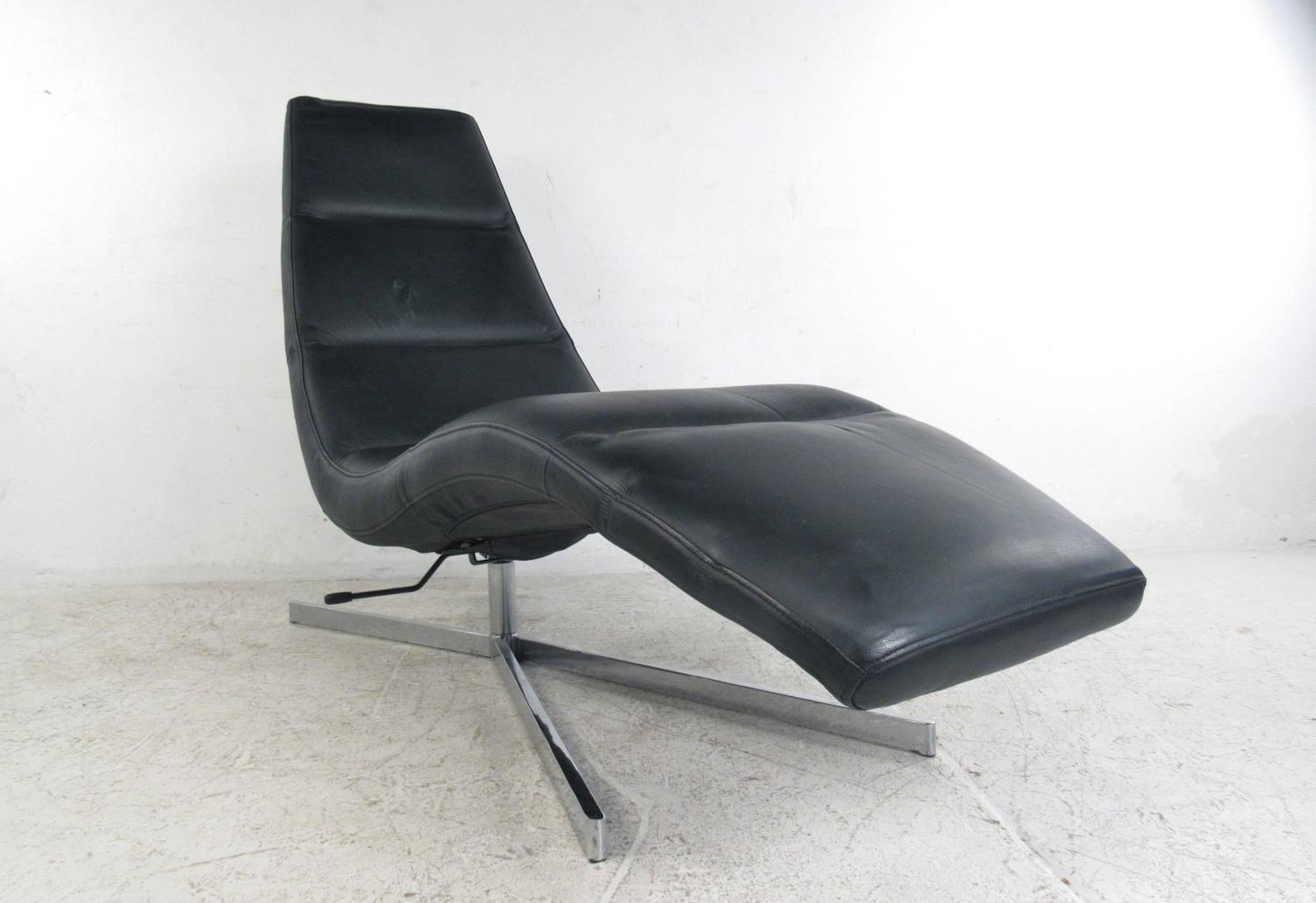 Danish modern leather chaise lounge swivel lounge chair for Modern leather club chair