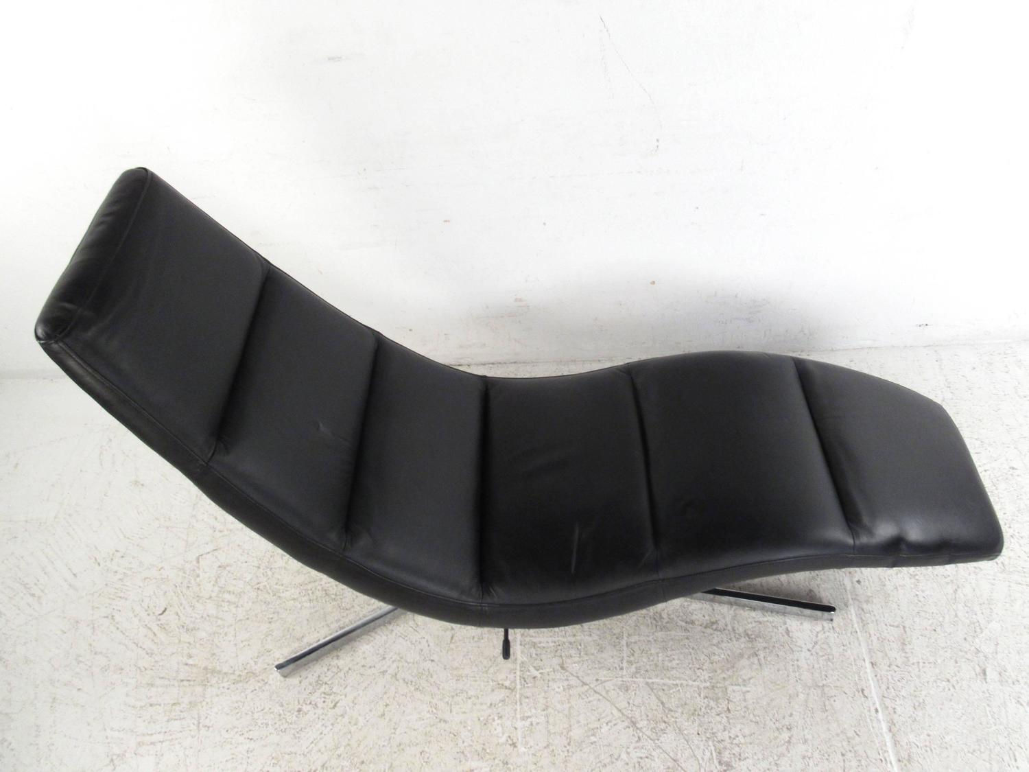 Danish Modern Leather Chaise Lounge Swivel Lounge Chair At 1stdibs