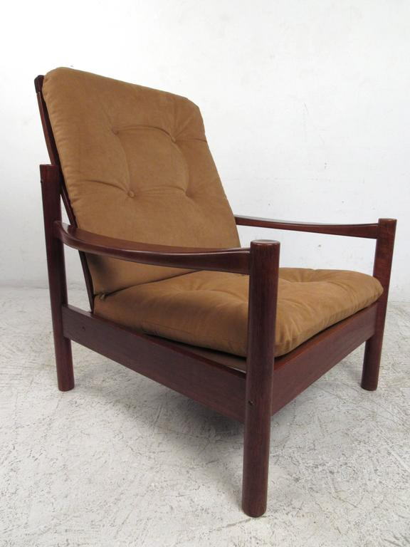 Pair Mid-Century Style Danish Teak Lounge Chairs with Ottoman In Good Condition For Sale In Brooklyn, NY