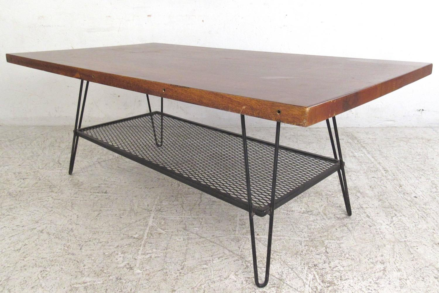 Vintage industrial style coffee table with hairpin legs for Vintage hairpin table legs