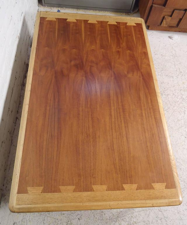 Mid Century Modern Lane Acclaim Series Dovetail Coffee: Large Coffee Table With Dovetail Inlay By Lane For Sale At