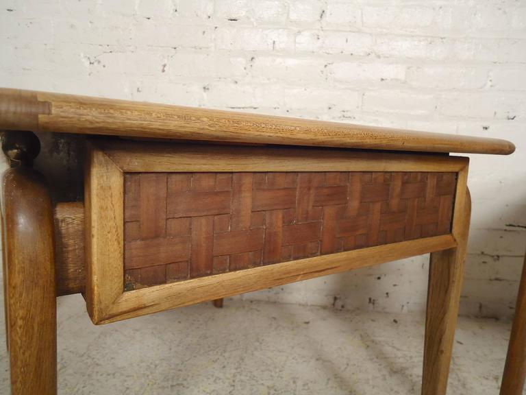 Walnut Mid-Century End Tables by Lane For Sale