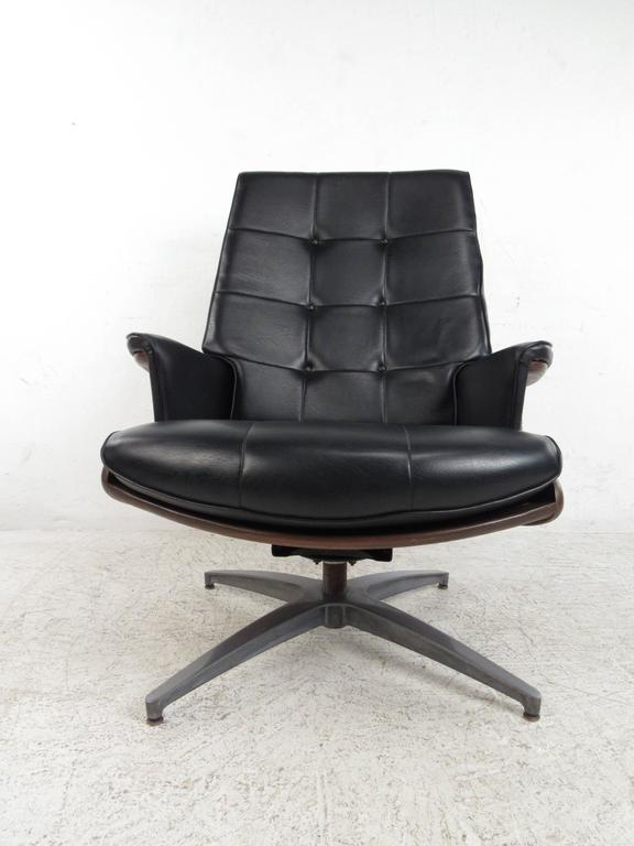 Heywood Wakefield Swivel Lounge Chair With Ottoman At 1stdibs