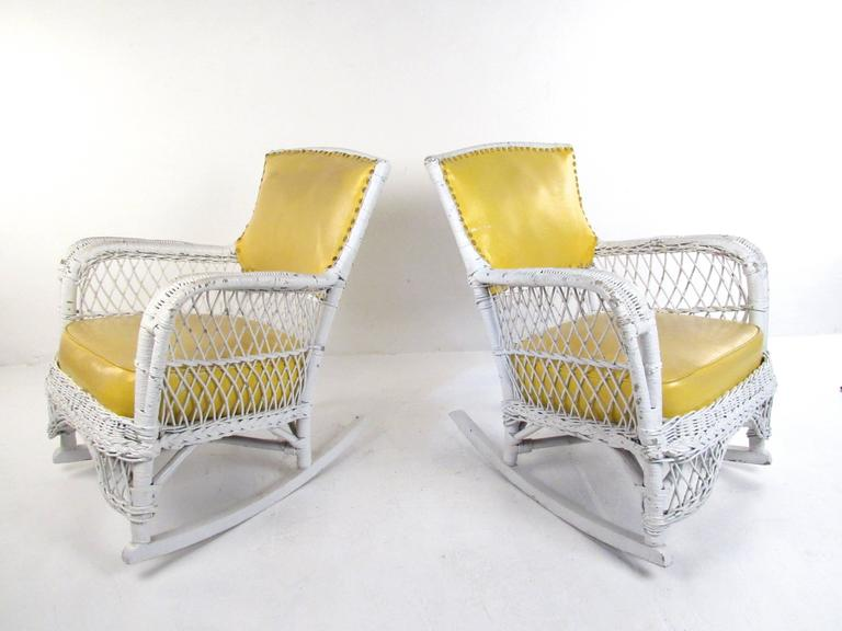 American Set of Six Vintage Wicker and Vinyl Chairs, Mid-Century Modern Patio Seating For Sale