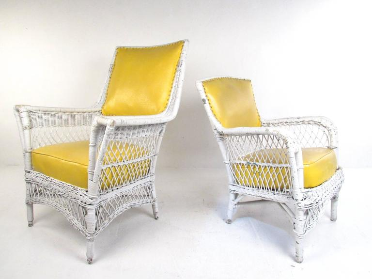 Set of Six Vintage Wicker and Vinyl Chairs, Mid-Century Modern Patio Seating In Good Condition For Sale In Brooklyn, NY