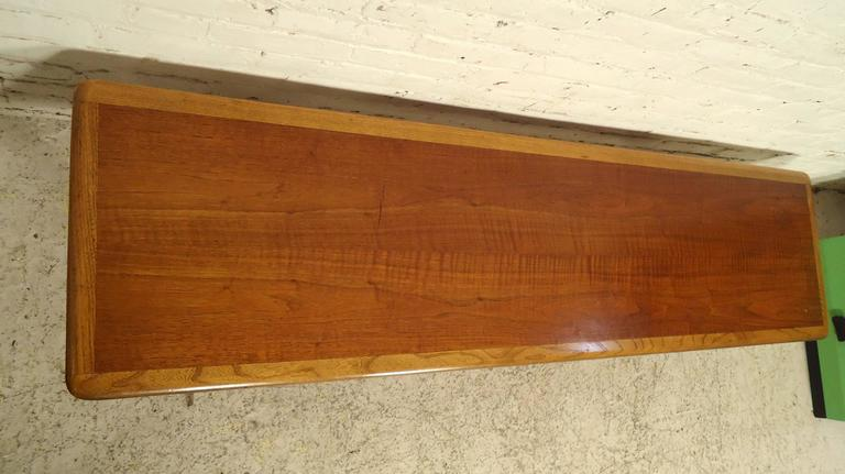 Mid-20th Century Mid-Century Modern Lane Coffee Table For Sale
