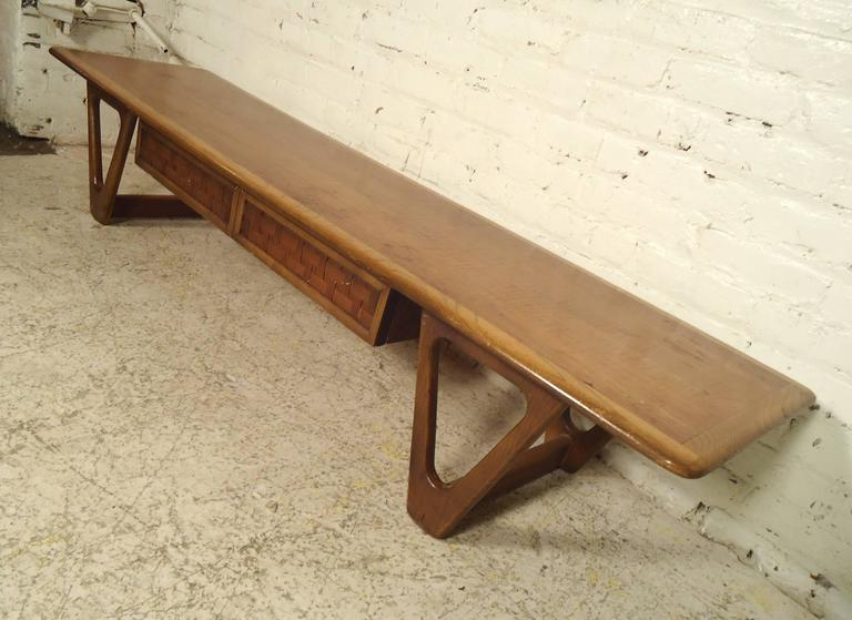 Mid-Century Modern Lane Coffee Table For Sale 2