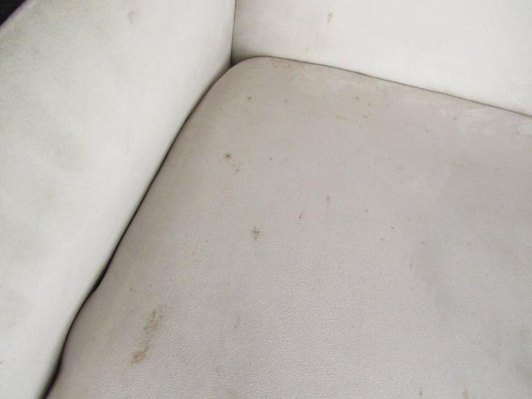 Italian Modern Lounge Chair For Sale 2