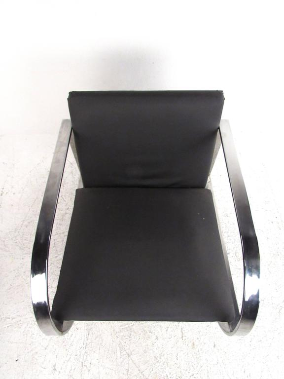 Vintage Modern Chrome Frame Lounge Chair In Good Condition For Sale In Brooklyn, NY