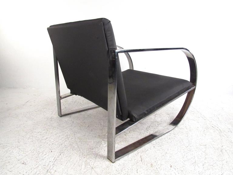 Late 20th Century Vintage Modern Chrome Frame Lounge Chair For Sale
