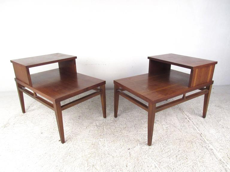 This Vintage Pair Of End Tables Features Stylish Mid Century Design With A Beautiful Walnut