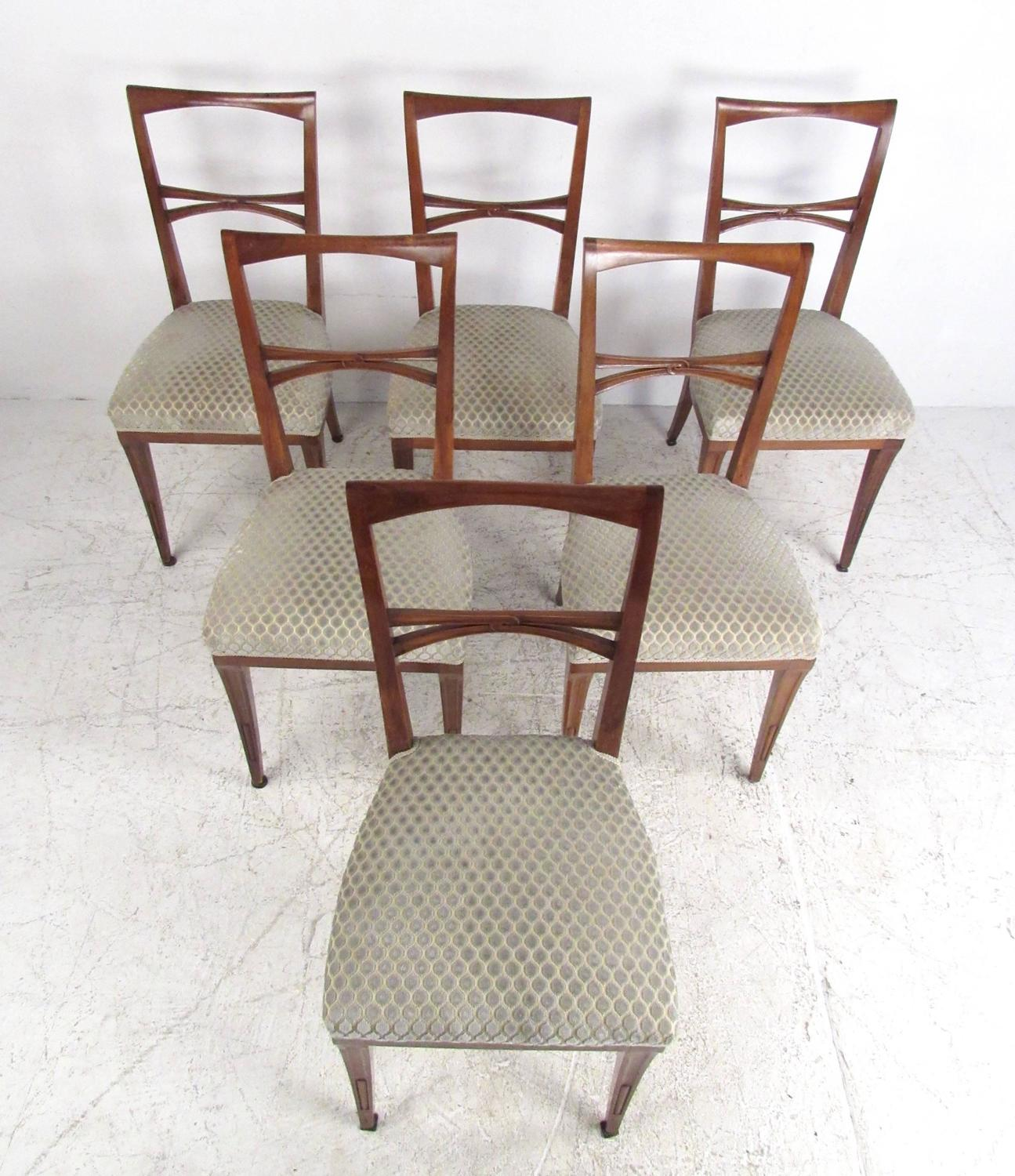 Set Of Mid Century Modern Italian Dining Chairs In The Style Of Gio Ponti For