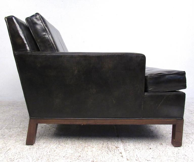 Mid Century Modern Harvey Probber Leather Club Chair For Sale