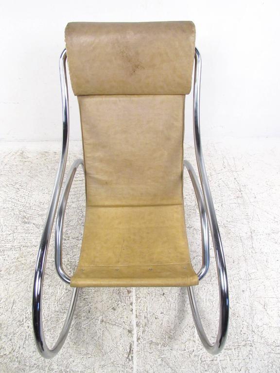 Mid Century Modern Tubular Chrome Rocking Chair For Sale