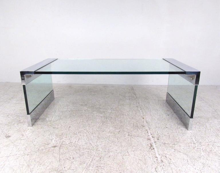 Vintage Chrome and Glass Coffee Table after Pace In Good Condition For Sale In Brooklyn, NY