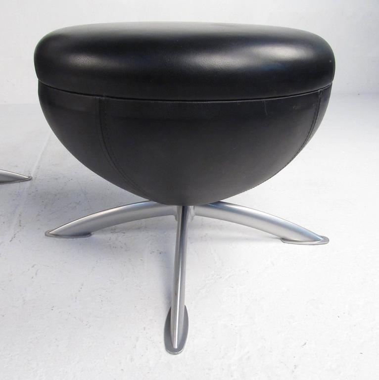 Swivel Lounge Chair With Ottoman after Arne Jacobsen For Sale 1