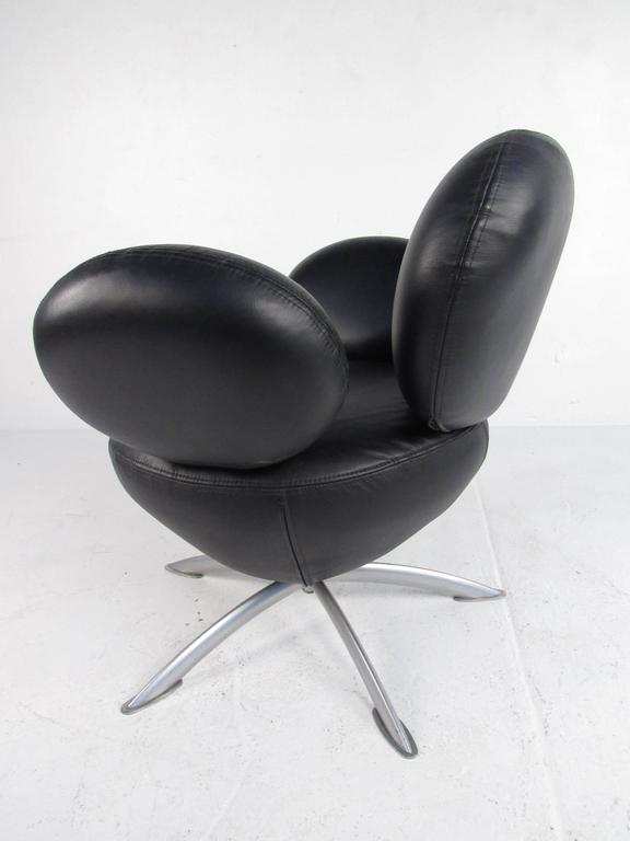 20th Century Swivel Lounge Chair With Ottoman after Arne Jacobsen For Sale