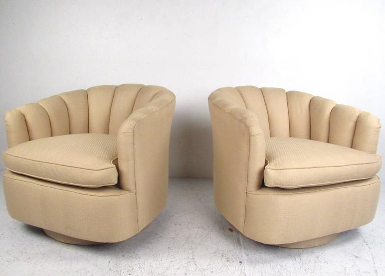 Ordinaire This Pair Of Unique Modern Lounge Chairs Make An Elegant Addition To Any  Living Room Or