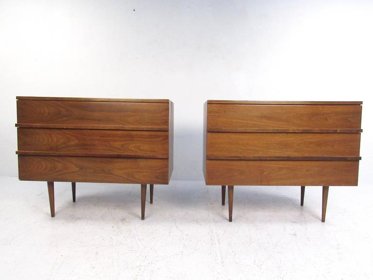 American Pair of Mid-Century Modern Three-Drawer Walnut Dressers For Sale