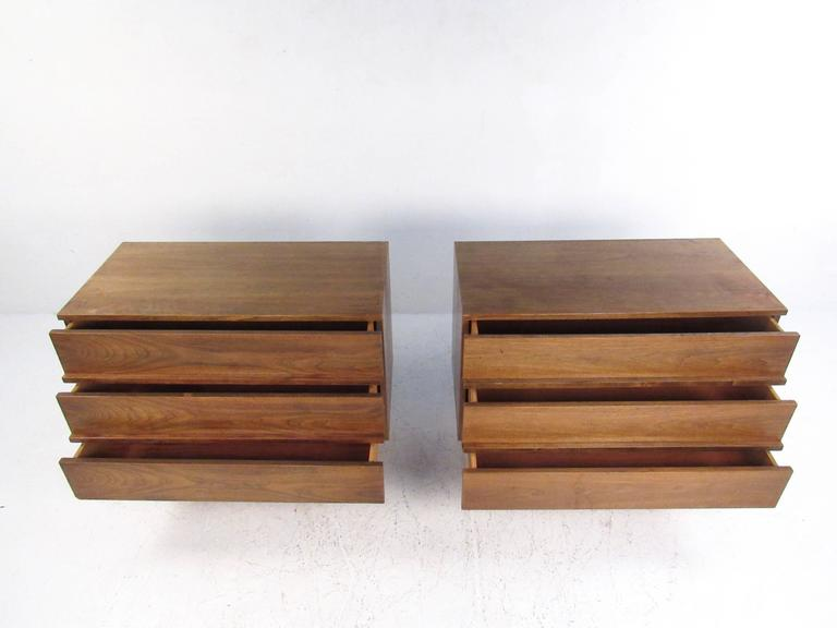 Late 20th Century Pair of Mid-Century Modern Three-Drawer Walnut Dressers For Sale