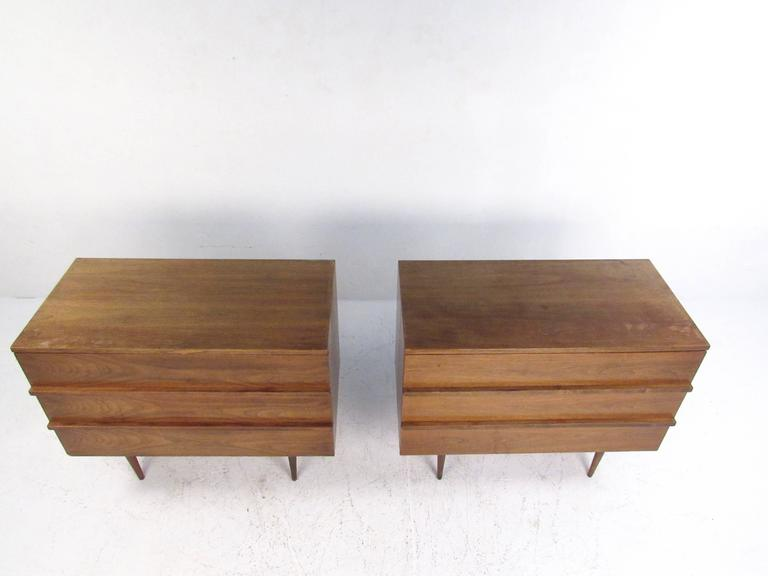 Pair of Mid-Century Modern Three-Drawer Walnut Dressers For Sale 1