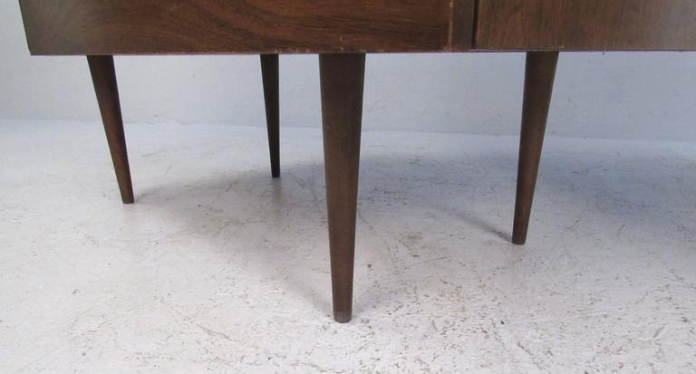 Pair of Mid-Century Modern Three-Drawer Walnut Dressers For Sale 2