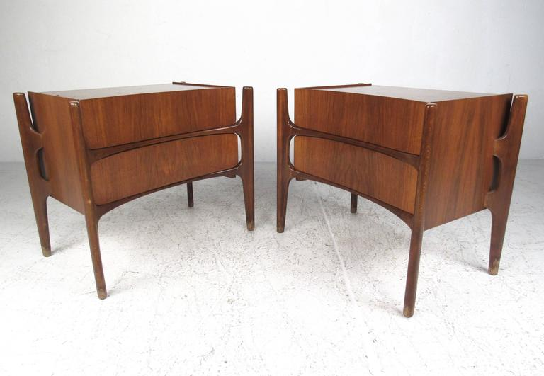 5571d8f856b9 Mid-Century Modern Bedroom Set by William Hinn at 1stdibs