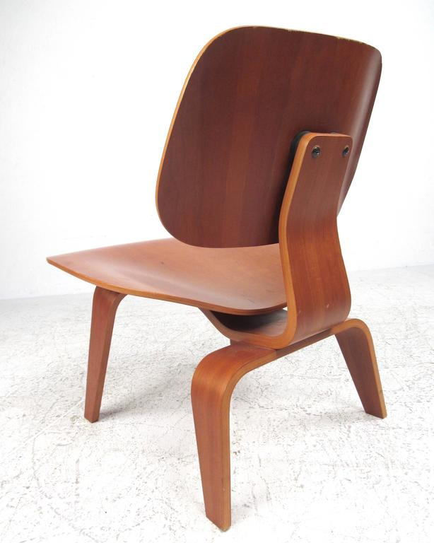American Charles Eames Plywood DCW Side Chair for Herman Miller For Sale
