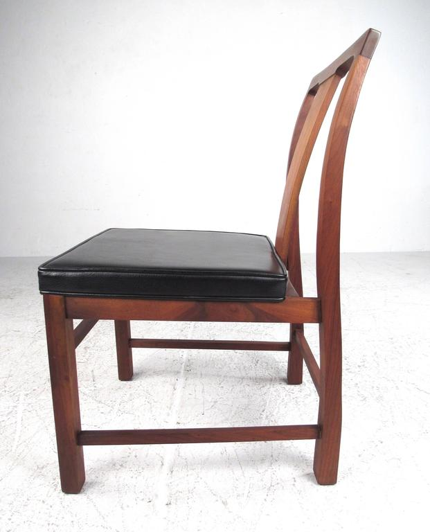 Set of Six Mid-Century Modern American Walnut Dining Chairs For Sale 1