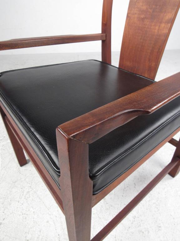 Set of Six Mid-Century Modern American Walnut Dining Chairs For Sale 4