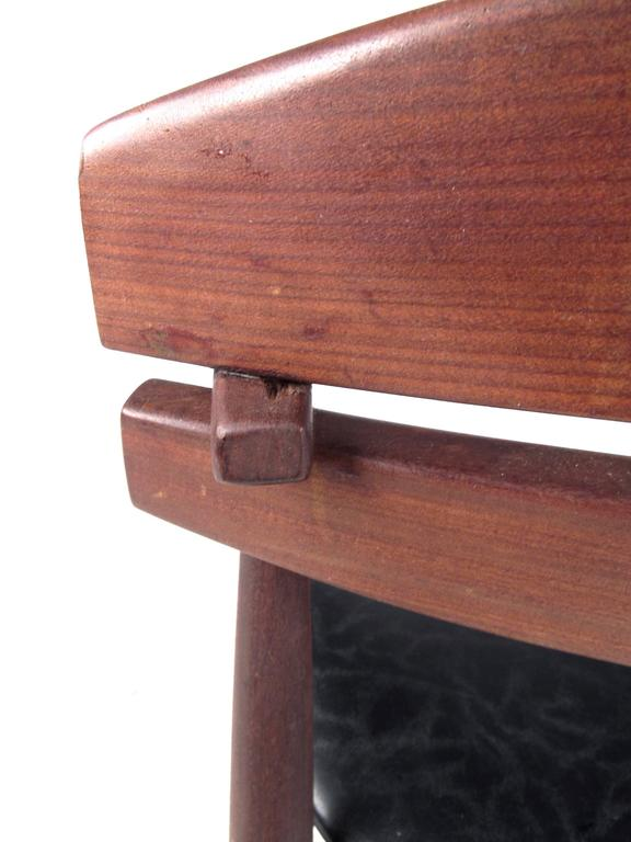 Mid-Century Modern Sculpted Teak Side Chair For Sale 2