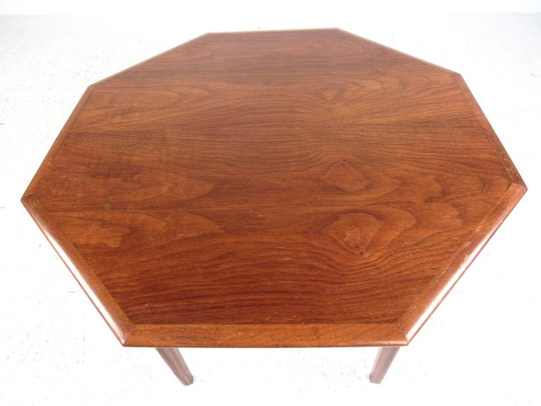 American Mid Century Modern Octagonal Side Table By Mersman For Sale