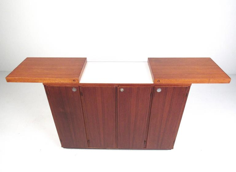 Late 20th Century Mid-Century Modern Danish Teak Expandable Bar Cabinet For Sale