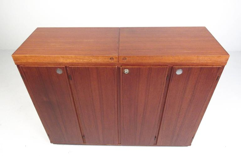 Mid-Century Modern Danish Teak Expandable Bar Cabinet For Sale 2