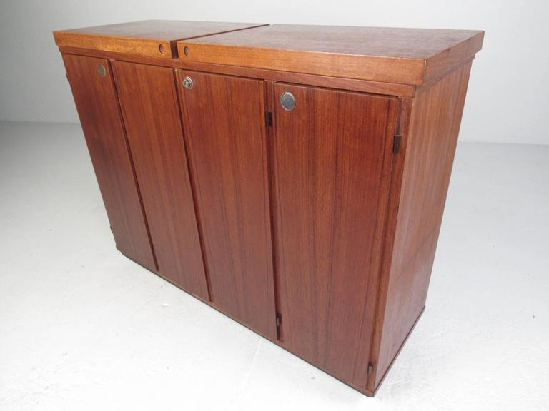 Mid-Century Modern Danish Teak Expandable Bar Cabinet For Sale 1