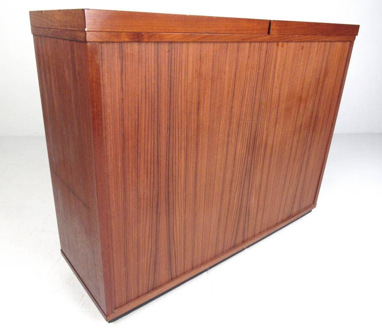 Mid-Century Modern Danish Teak Expandable Bar Cabinet For Sale 3