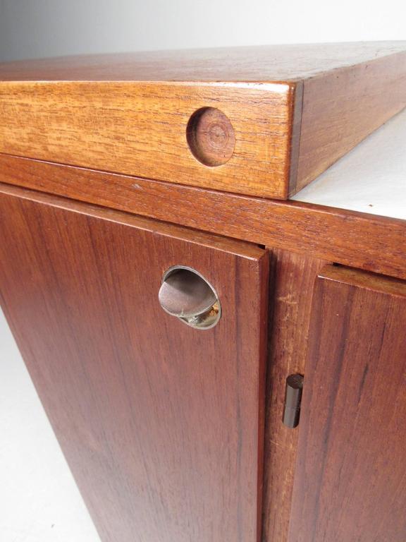 Mid-Century Modern Danish Teak Expandable Bar Cabinet 10