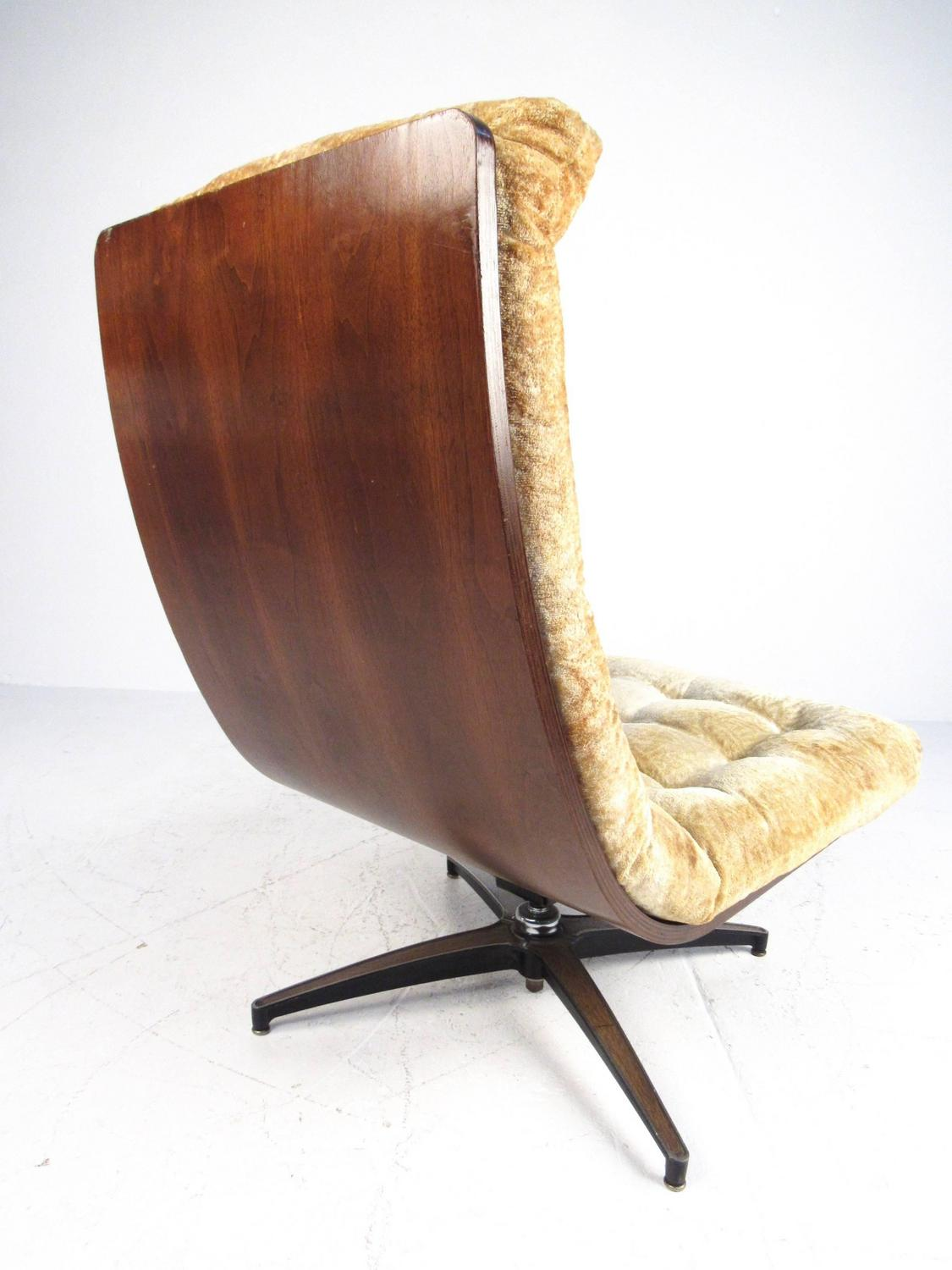 Mid Century Modern Shell Back Swivel Lounge Chair For Sale At 1stdibs