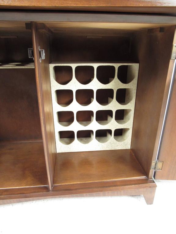 Mid-20th Century Mid-Century Modern Walnut Dry Bar Cabinet For Sale
