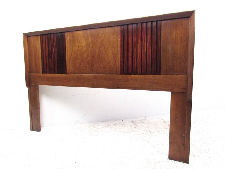 This Mid-Century Modern queen-size headboard features two-tone walnut and rosewood construction with unique sculpted edges. This impressive vintage bed measures 61 W and can be modified to fit your queen-size bed frame. Please confirm item location
