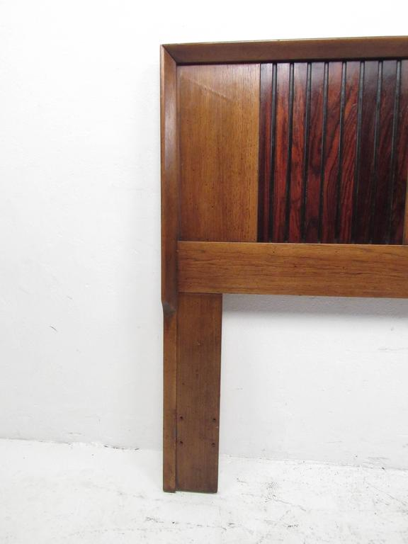 Mid-Century Modern Rosewood and Walnut Queen-Size Bed Headboard In Good Condition In Brooklyn, NY