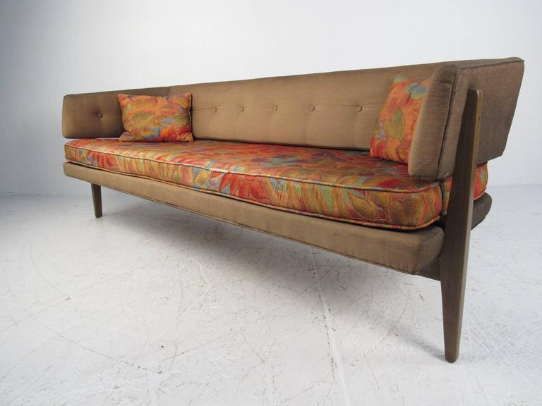 Edward Wormley Sculptural Sofa for Dunbar In Good Condition For Sale In Brooklyn, NY